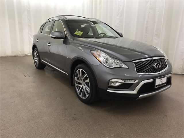 Pre-Owned 2016 INFINITI QX50 AWD w/ Deluxe Touring and NAV